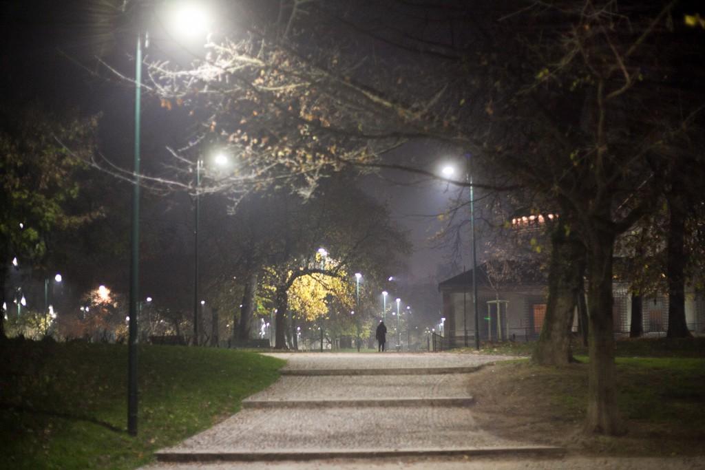 Parco Sempione naktį